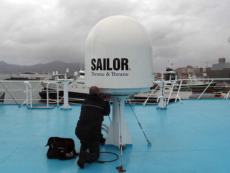 VSAT 900 Y 800 - AST Technology Networks